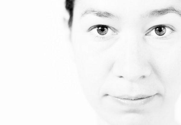 Studioportrait, Businessportrait einer jungen Frau aus Kempten von Fotografen Kees van Surksum, Businessfotografie aus Kaufbeuren, München und Allgäu