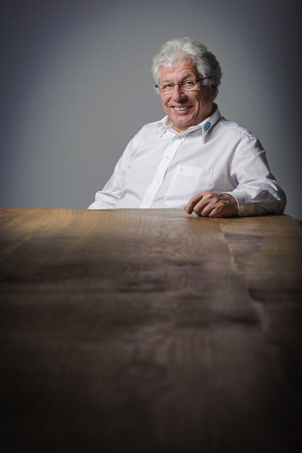 Fotograf im Allgäu für Businessfotografie und Portraitfotografie Portrait Johannes Kiderlen für Impulse Magazin