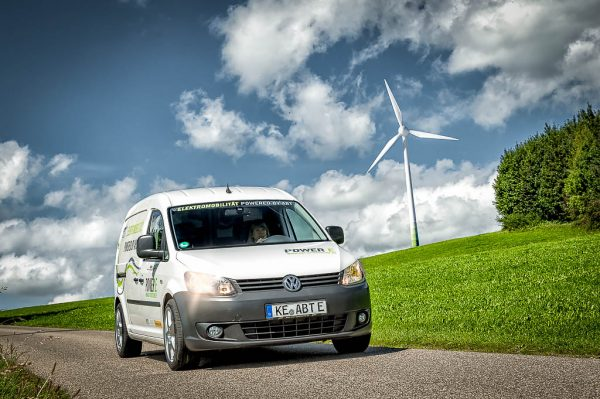 Werbefotografie Businessfotografie Volkswagen Caddy Umbau Abt-Epower Deutsche Post DHL und Kempten University