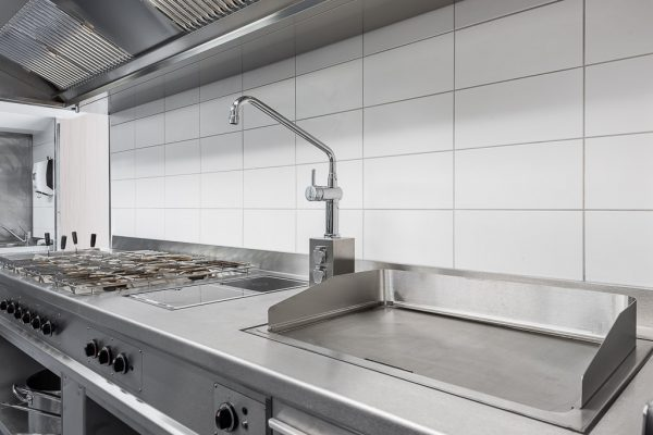 Produktfotografie Interieur für Produktwerbung Hans Kappes HAKA Küchenbau in La Trattoria in Landsberg am Lech fotografiert von Kees van Surksum Werbefotograf in Kaufbeuren und München