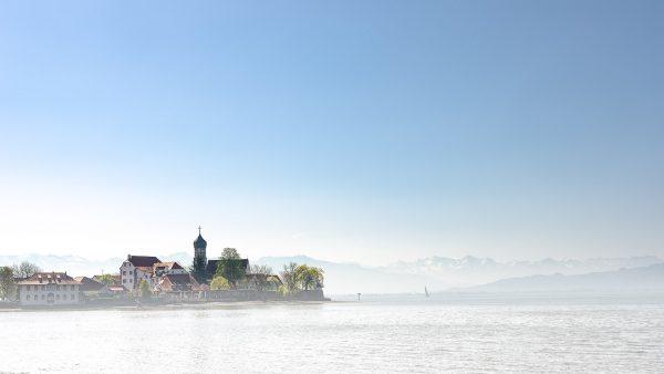 Landschaftsfotografie Landschaft Wasserburg Bodensee Berge Voralberg Kees van Surksum Fotograf im Allgäu