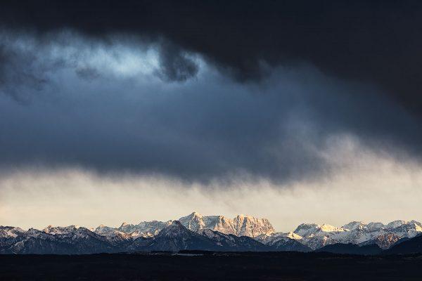 Fotograf Allgäu Bild von der Zugspitze Alpen Wetterstimmung Landschaftsfotografie Kees van Surksum Altusried bei Kempten