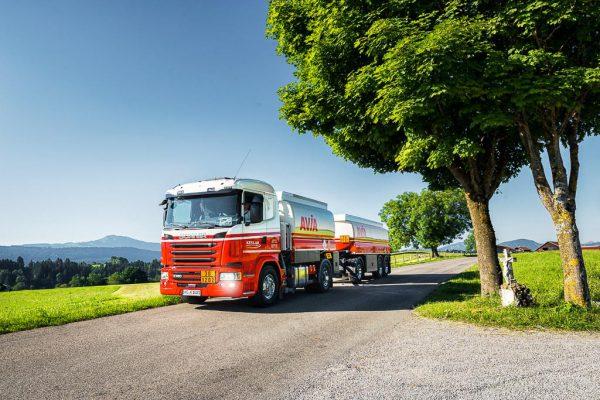 Werbefotografie und Businessfotografie AVIA-Tanklaster im Allgäu unterwegs Fotograf Kees van Surksum aus Kaufbeuren und München